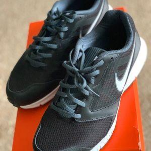 Nike men's sneakers size 11 wide width